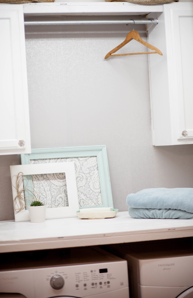 Budget Laundry Room  (12 of 15)