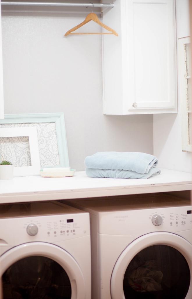 Budget Laundry Room (13 of 15)